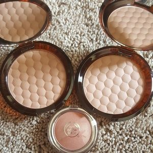 The body shop blush and bronzing powder
